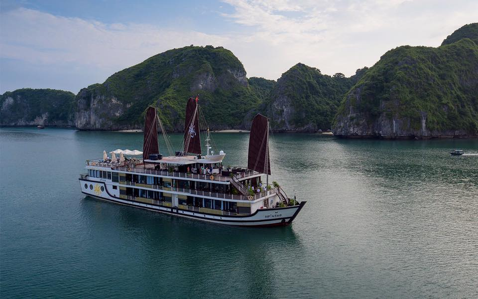 Hanoi – Ha Long Bay 4D3N Luxury Package | TOP RECOMMENDED