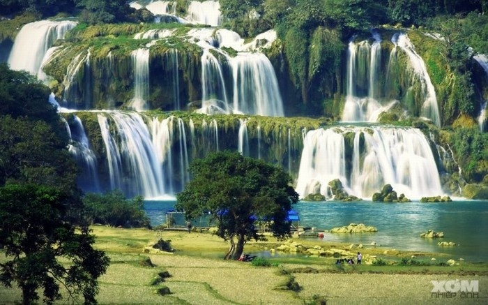 Private car Hanoi to  Ban Gioc Waterfall
