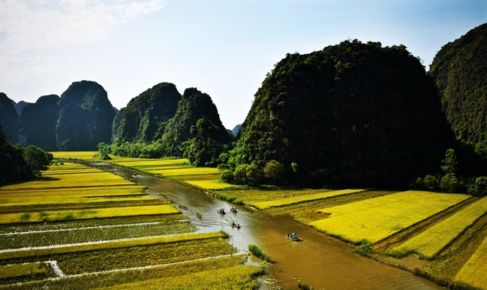 2 day Private car from Hanoi to Ninh Binh to Ha Long Bay